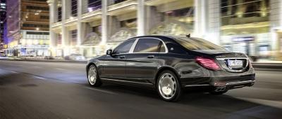 Mercedes predstavuje limuzínu Maybach S-600