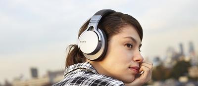 Sloboda bez káblov so štyrmi novými Bluetooth® slúchadlami od Sony