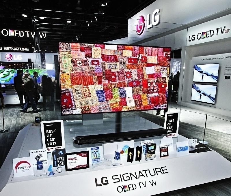 "CES 2017: televízor z radu LG Signature získal ocenenie ""BEST PF THE BEST"""