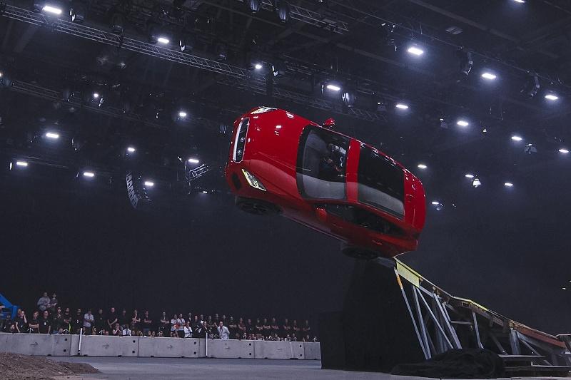 Nový zápis do knihy rekordov s modelom Jaguar E-PACE
