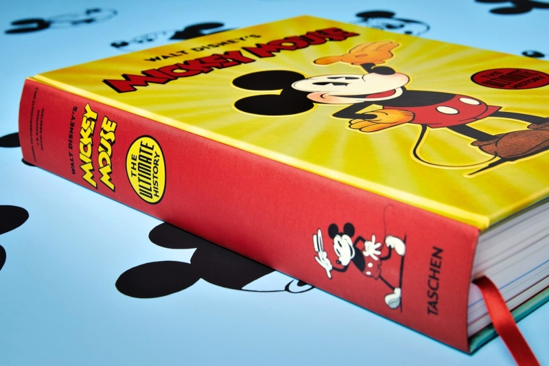 The Mouse Who Changed the World (The ultimate history of a modern hero: Mickey Mouse)